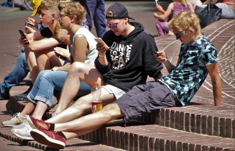 Smartphones Can Be Actually Good for Youngsters: The Positive Talk