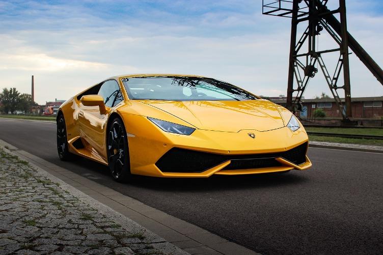 Features of latest Lamborghini Huracan